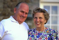 Picture of elderly couple, smiling